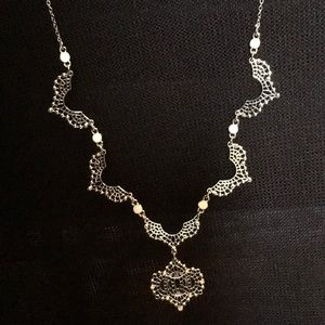 Jewelry - ** 3 for $45 SALE ** Silver Pendant Necklace